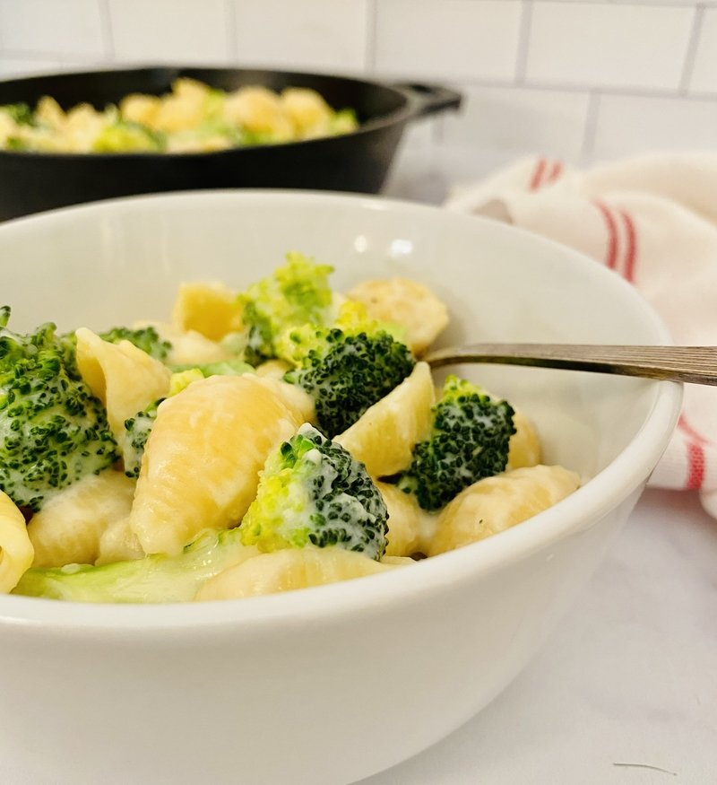 easy gluten-free broccoli mac n cheese